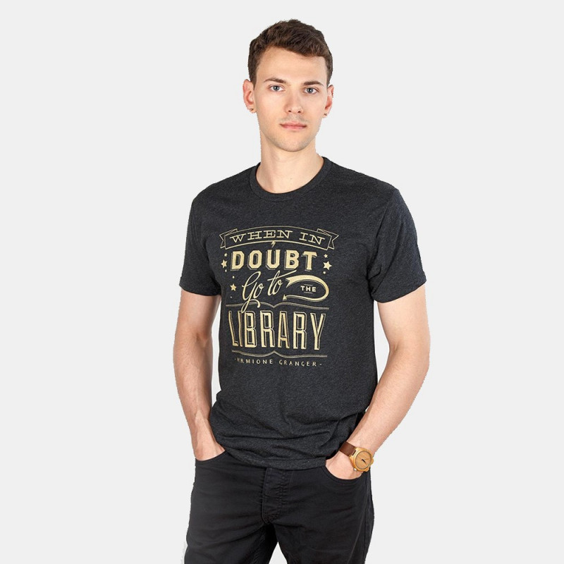 T-shirt H When in doubt Go to the library - Out of Print
